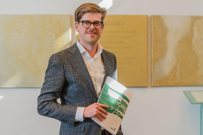 Wethouder Dolf Smolenaers mag eindelijk geld uitgeven.