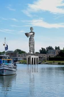 Kunstenaar bedenkt nieuwe plek voor Dordts megabeeld: 'Minder extravert dan de vorige locatie'