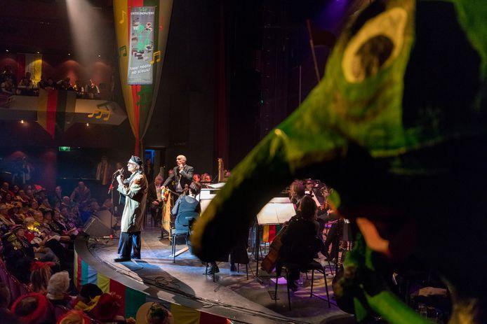 Het Oetelkonzért in het Theater aan de Parade.