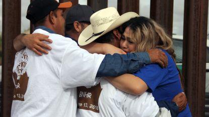 Emotioneel moment: gescheiden families ontmoeten elkaar aan Mexicaans-Amerikaanse grens