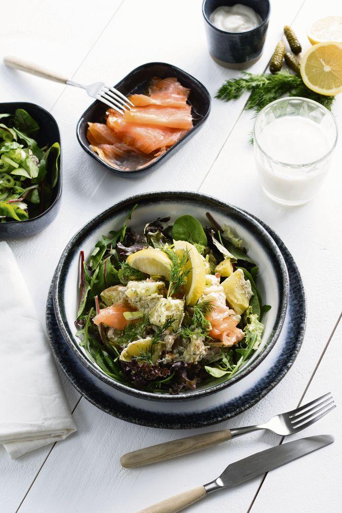 Zweedse aardappelsalade met gerookte zalm