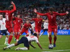 """""""Une honte"""", """"Le Danemark a été trompé"""": l'arbitrage cible de vives critiques après le penalty accordé à Sterling"""