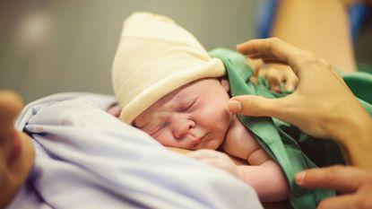 Mama's willen na amper twee of drie nachten naar huis na bevalling