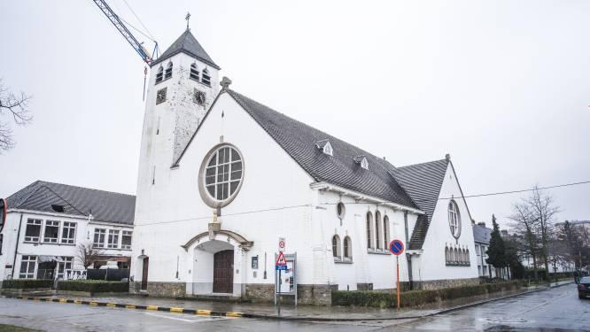 """In deze Gentse kerk vind je nu ook een koffiebar: """"Slechts 1,20 euro voor een kopje"""""""