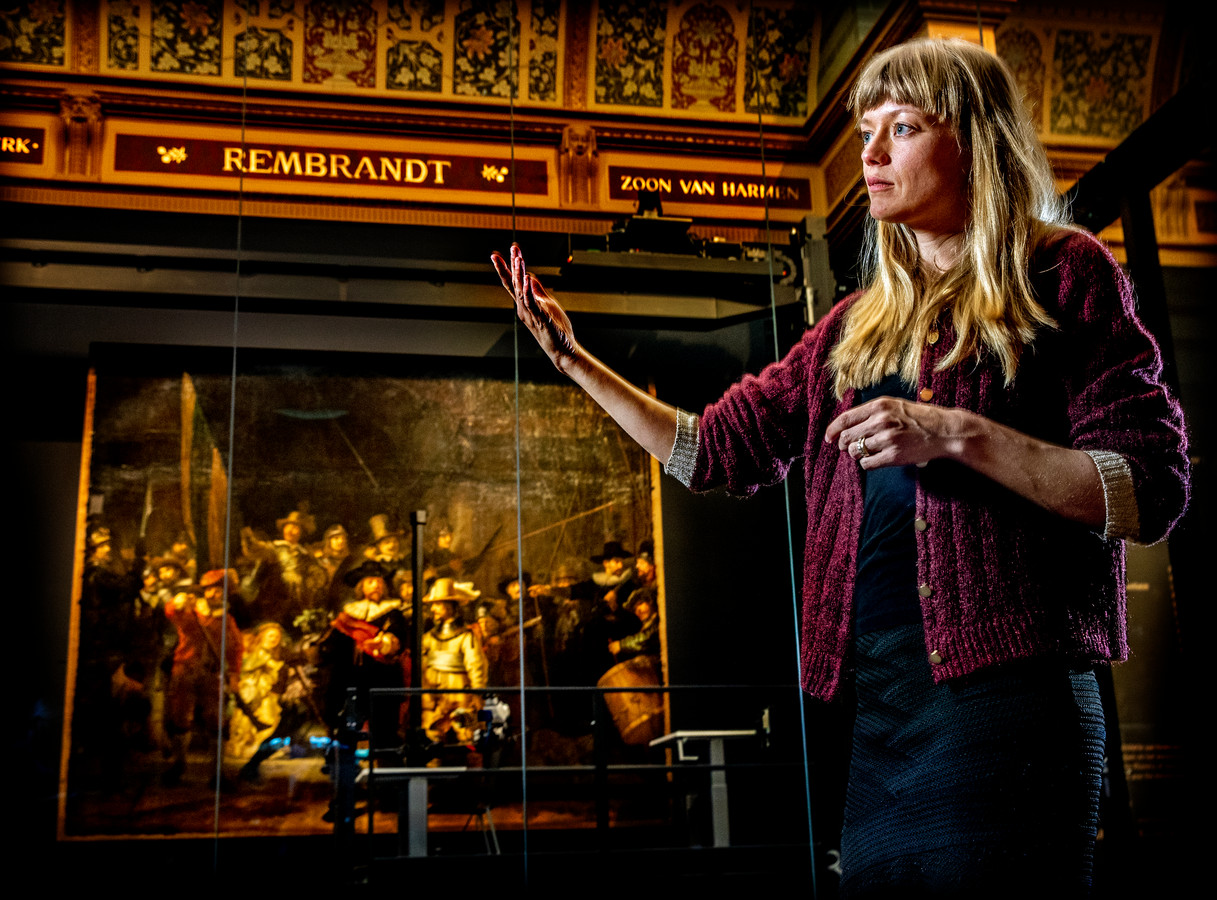Lisa Wiersma begint aan een megaproject: ze gaat De Nachtwacht op ware grootte naschilderen.