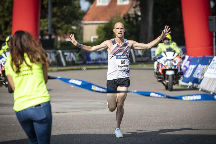 Gert-Jan Wassink wint de Singelloop.