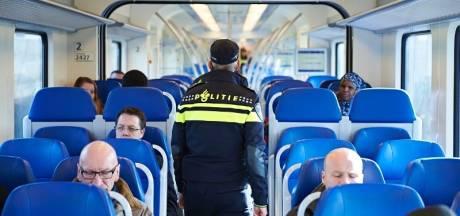 Minderjarig meisje aangerand in trein tussen Zwolle en Olst, twee vrouwen schieten te hulp
