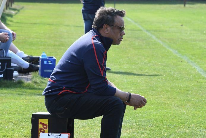 Jef Vels eerder als trainer van Menos uit Landhorst.