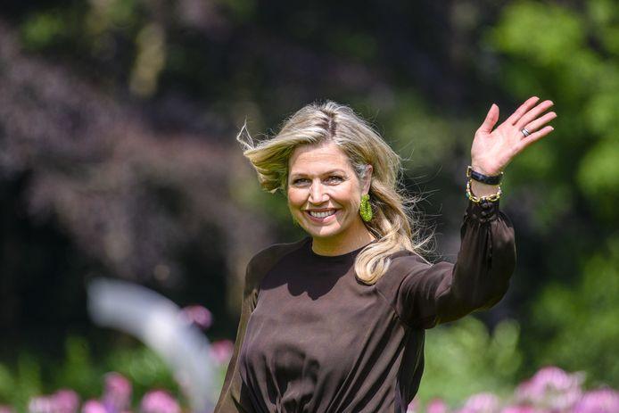 Koningin Máxima tijdens de jaarlijkse koninklijke fotosessie in de tuin van Paleis Huis ten Bosch. Op 4 september bezoekt zij de Groene Mineralen Centrale in Beltrum. Ook komt ze naar Toldijk en Doetinchem.