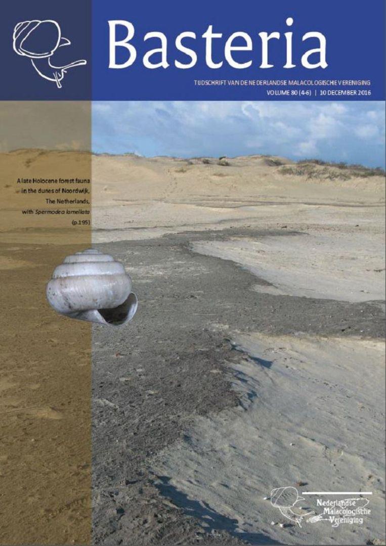 De omslag van vakblad Basteria: geen beer, wel het slakje. Beeld Wim Kuijper