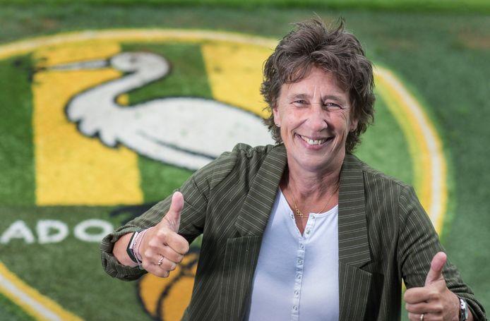 De voorzitter van NOC*NSF Anneke van Zanen-Nieberg (57) heeft een seizoenkaart bij ADO Den Haag.