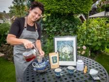 Christa brengt wasbèrrethee op de markt: 'Het blad moet door de pot kunnen dansen'