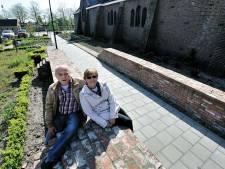 Wie is de vrouw die in de oude middeleeuwse Nispense kerk begraven ligt?