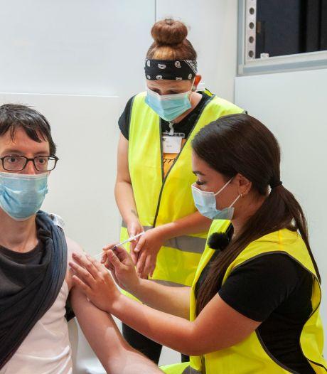 GGD zet ruim 700 prikken tijdens vrije inloop bij Brabanthallen en zoekt locatie voor extra vaccinatie  specifieke groep
