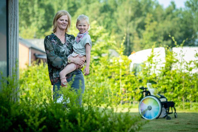 Jill Bruynseels met haar dochter Marthe.
