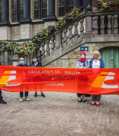 """Buurtbewoners Malem voeren actie tegen 'circulatieplan' in de wijk: """"We zullen veel meer rondjes moeten rijden"""""""