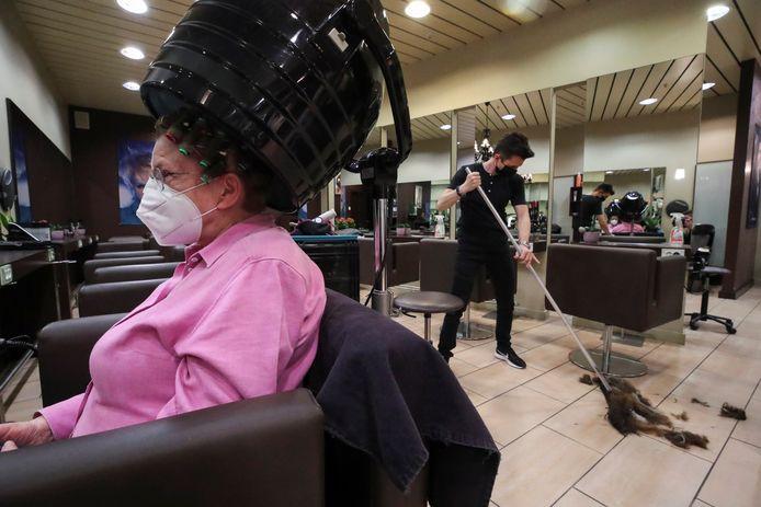 Salon de coiffure ouvert en mars à Bruxelles