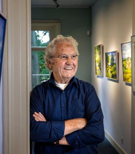 85 jaar oude amateurschilder exposeert in kasteel Geldrop: 'Kijk nou, al die kleurkes'