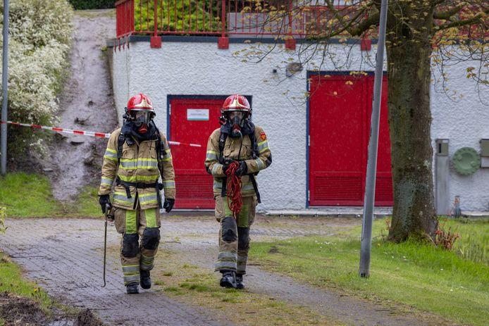 Tientallen brandweermensen waren dit weekeinde aanwezig in de Punter in Lelystad, waar de hele wijk geevacueerd moest worden vanwege een vreemde stof in het riool.