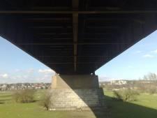 Dreigt er angstzweet op de lawaaierige Rijnbrug?