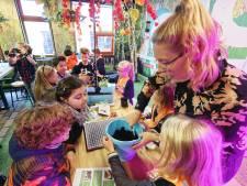 Leerlingen in Schijndel krijgen tasjes tegen verveling in krokusvakantie