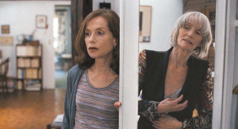 Isabelle Huppert en Edith Scob in L'avenir van Mia Hansen-Løve. Beeld