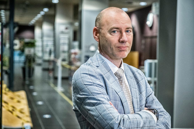 Dirk Ramaekers, medisch directeur van het Jessa Ziekenhuis in Hasselt, leidt de taskforce voor de vaccinatiestrategie. Beeld Tim Dirven