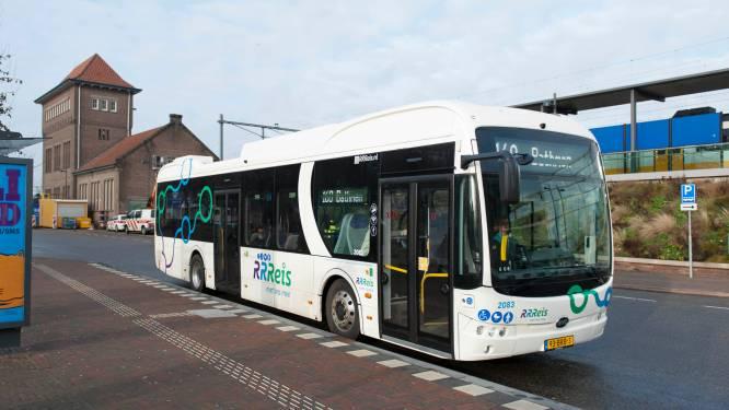 Bus rijdt in Deventer in 2022 minder vaak, maar mes gaat minder in dienstregeling dan gevreesd