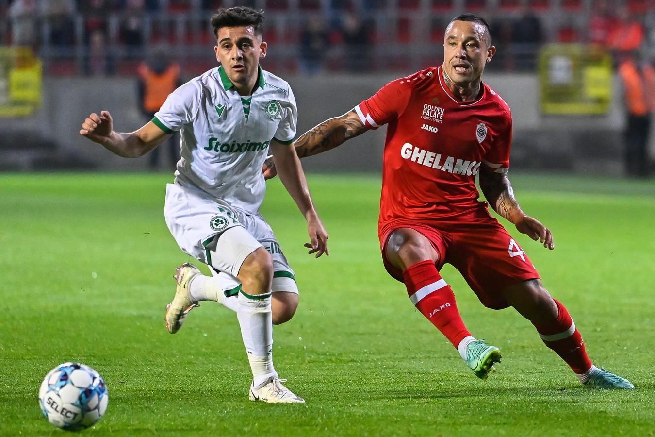 Loizos Loizou nam het gisteren nog op tegen Antwerp en Radja Nainggolan.
