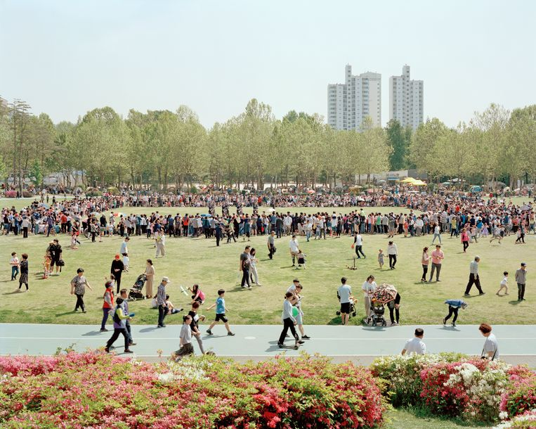 Op 5 mei wordt in Zuid-Korea op grote schaal Kinderdag gevierd. Ouders nemen hun kroost dan mee naar dierentuinen en pretparken.   Beeld Seunggu Kim/INSTITUTE