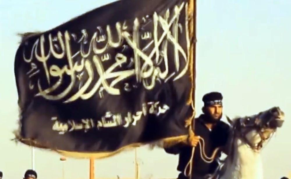 Videostill uit een propagandavideo van Ahrar-al-Sham.