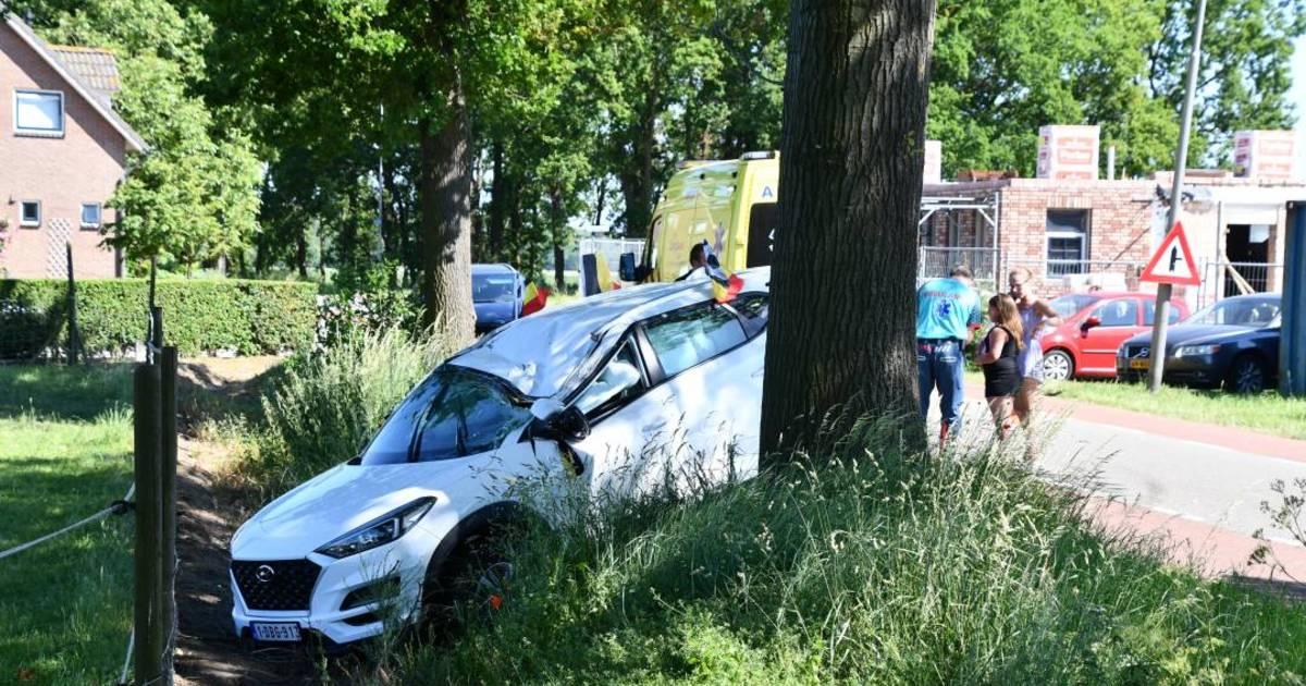 Auto raakt total loss bij eenzijdig ongeval in Koewacht.