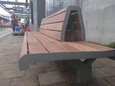 Eerste houten bankjes staan al op station Oss