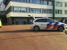 Steekpartij in Enschede: gewonde man met spoed naar ziekenhuis