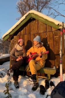 Cabaretduo Maartje & Kine: met 21 instrumenten en 40 leverworsten in Noorse berghut