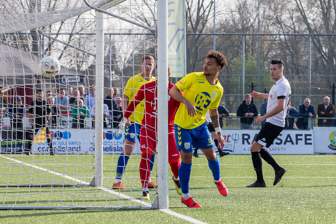 Peter Verhoeve stond maar liefst vijf keer in het elftal van de week.