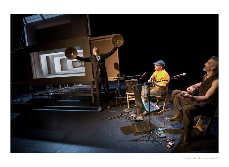 Benjamin Verdonck, 'Liedje voor Gigi' (Toneelhuis) Beeld Toneelhuis