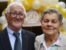 Marietje en haar 'dwarsligger' uit Goor zijn 60 jaar getrouwd: 'Ik geniet van zijn verhalen'