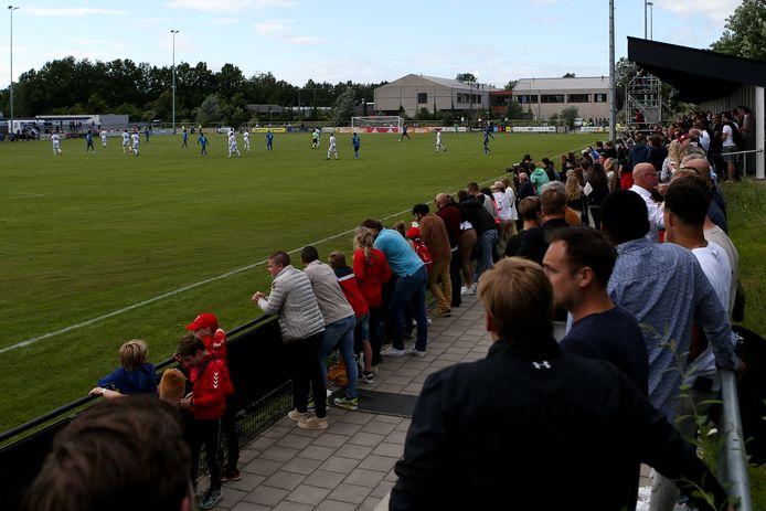 Quick'20 speelde dinsdagavond tegen Ajax. De Oldenzalers hielden de landskampioen knap op 1-1.