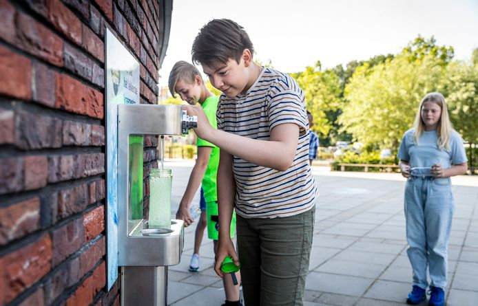 Een watertappunt is een van maatregelen van Kindcentrum Mozaïek in Helmond om een gezonde leefomgeving te creëren voor kinderen.