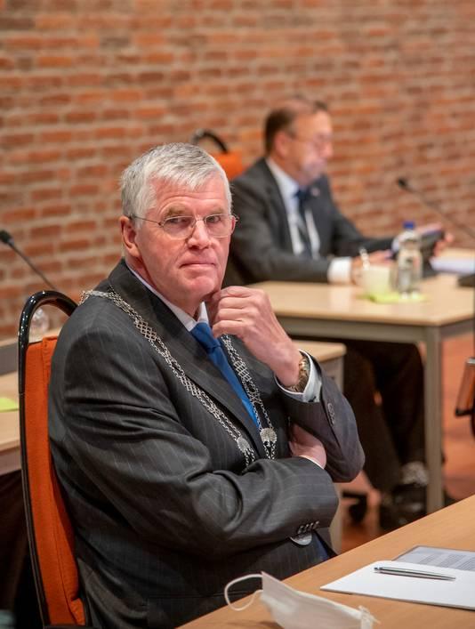 André Baars in zijn laatste vergadering als burgemeester van Ermelo.