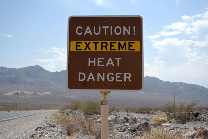 Waarschuwingsbord in Death Valley, Californië.