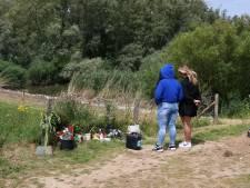 Familie en vrienden herdenken de overleden 17-jarige Leonardo in de Crezéepolder