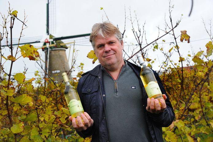 Twee wijnen van Simon van Keulen van wijngaard Westerhoeve zijn in de prijzen gevallen.