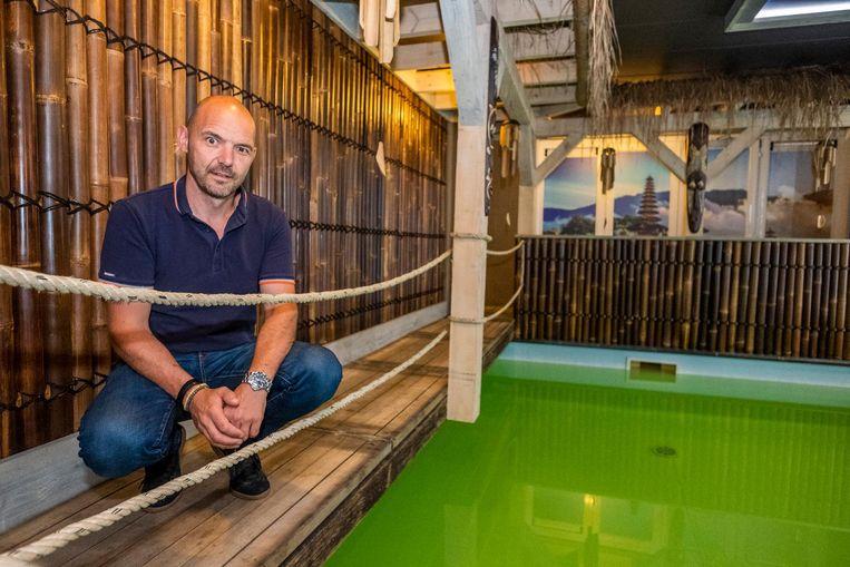 Uitbater Sven Scheers heropent (een deel van) de sauna.