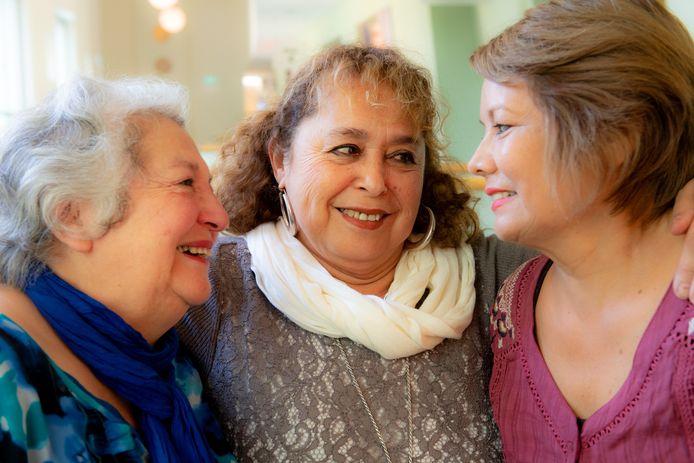 Ester Hernàndez Cid, Orfelina Sepúlveda Robles en Cecilia Muñoz Guzman.