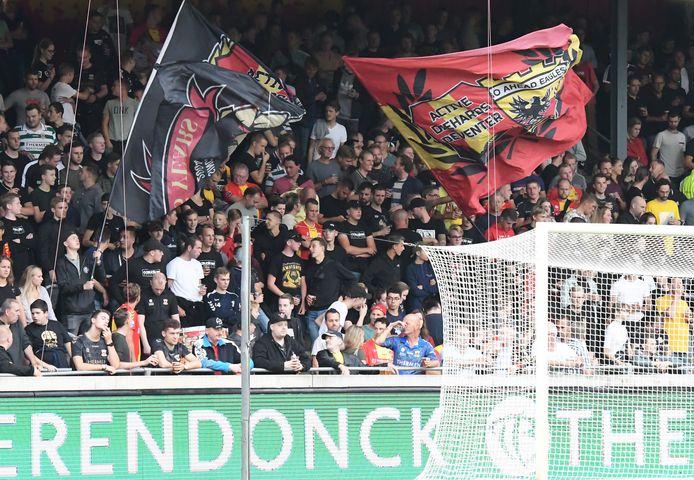 Fans GA Eagles in Adelaarshorst