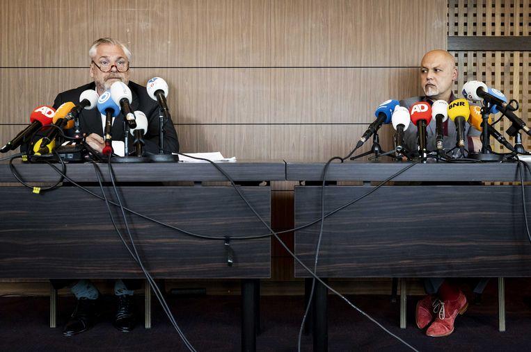 Advocaten Peter Schouten en Onno de Jong van kroongetuige Nabil B. Beeld ANP