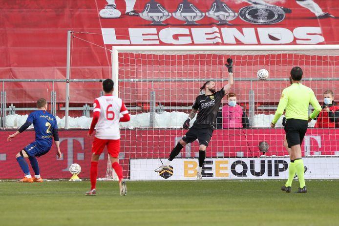 De fraaie kopbal van Mimoun Mahi betekende de 1-0.