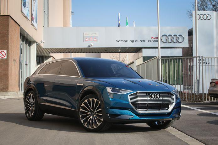 De Audi e-tron voor de fabriek in Vorst.